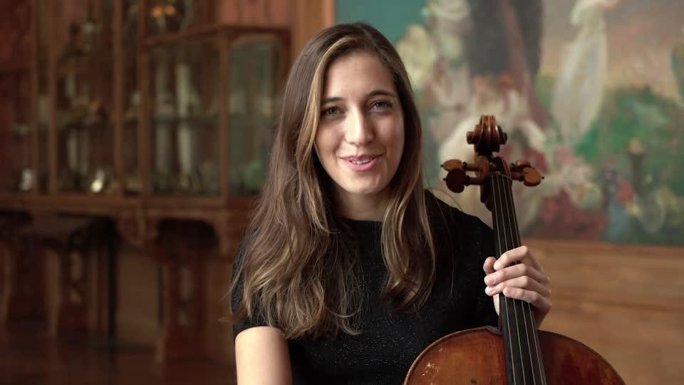 This cellist is filling empty museums with music
