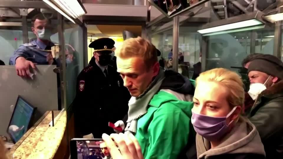 Navalny has a plan to get out of jail... protests