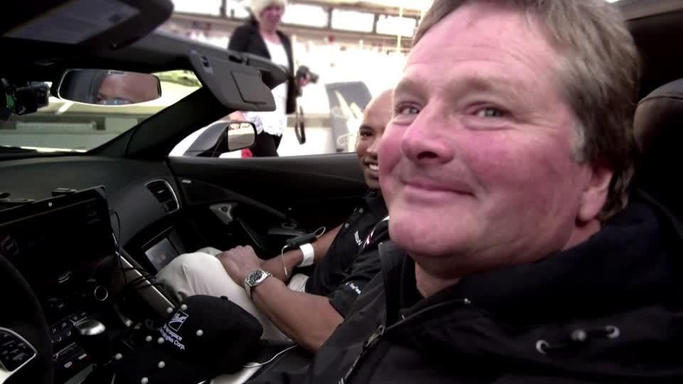 Paralyzed IndyCar driver races again