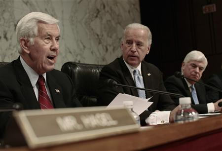 Senate panel opposes Iraq troop increase | Reuters