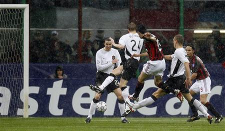 Milan Beat United To Set Up Re Run Of 05 Final Reuters Com