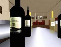 <p>Immagine di bottiglie di vino virtuali in un servizio di assaggio di una cantina su Internet. REUTERS/Suzanne Miller</p>