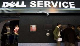<p>Dell s'apprête à racheter le fournisseur de services de messageries électroniques professionnelles MessageOne pour 155 millions de dollars, afin de concurrencer des services similaires proposés par Microsoft Corp et Google. /Photo prise le 29 octobre 2007/REUTERS/Raheb Homavandi</p>
