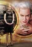 """<p>Nicole Kidman in posa durante la conferenza stampa per promuovere """"La bussola d'oro"""" a Tokyo. REUTERS/Yuriko Nakao (JAPAN)</p>"""