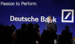 <p>Tiscali, nuovo blitz di Deutsche Bank, Soru al 25%. REUTERS/Kai Pfaffenbach</p>