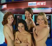 <p>Le quattro conduttrici di Naked news Italia. REUTERS/Hand out</p>