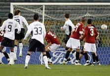 <p>Una immagine della partita tra il Manchester Unitede la Roma all'Olimpico lo scorso 12 dicembre. REUTERS/Giampiero Sposito</p>