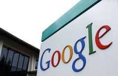 <p>Il logo di Google al quartier generale della società a Mountain View, California. REUTERS/Clay McLachlan</p>