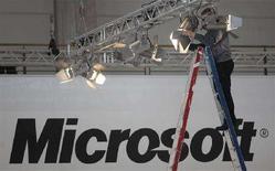 <p>Uno stand di Microsoft ad Hannover. REUTERS/Hannibal Hanschke</p>