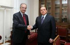 <p>Silvio Berlusconi e Walter Veltroni in una foto d'archivio. REUTERS/Ettore Ferrari (ITALY)</p>