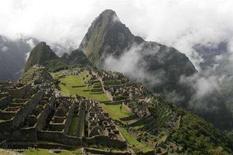 <p>Un'immagine della cittadella inca di Machu Picchu. REUTERS/Enrique Castro-Mendivil (PERU)</p>