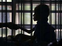 <p>Un bambino in condizioni di malnutrizione. REUTERS/Edgard Garrido</p>