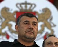<p>Лидер коалиции оппозиционных партий Грузии Леван Гачечиладзе на пресс-конференции в Тбилиси, 23 мая 2008 года. Коалиция оппозиционных партий Грузии решила отказаться от мест в парламенте, считая результаты прошедших на этой неделе выборов сфальсифицированными и готовит уличные акции протеста, сообщил в пятницу Гачечиладзе. (REUTERS/David Mdzinarishvili)</p>