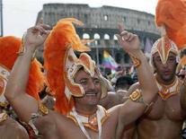<p>Un'immagine del gay pride dello scorso anno a Roma. REUTERS/Chris Helgren</p>