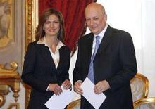 <p>A sinistra, il ministro dell'Istruzione Maria Stella Gelmini REUTERS/ Dario Pignatelli</p>