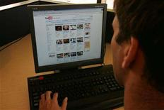 <p>A man looks at YouTube's web site in a file photo. REUTERS/Peter Jones</p>