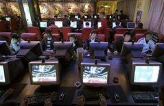 <p>Un'internet café. REUTERS/Simon Zo/Files</p>