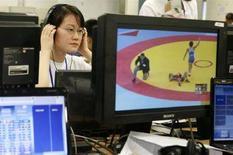 <p>Il centro olimpico della China Central Television (CCTV) a Pechino. REUTERS/Claro Cortes IV</p>
