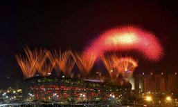 <p>I fuochi di artificio durante la cerimonia di chiusura dei Giochi. REUTERS/Joe Chan</p>