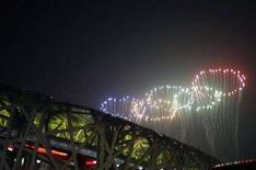 <p>Fuochi d'artificio alla cerimonia di chiusura delle Olimpiadi di Pechino. REUTERS/Christina Hu</p>
