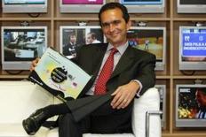 <p>Pour Pierre Danon, nouveau P-DG de Numericable-Completel, il faudra au moins un an pour remettre en état de marche complet le câblo-opérateur, en mettant la priorité sur le service clients, mais le groupe pourrait devenir ensuite le champion de la consolidation du câble en Europe. /Photo prise le 3 septembre 2008/REUTERS/Benoît Tessier</p>