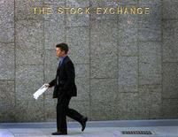 <p>The Stock Exchange, la Borsa di Londra. REUTERS/Stephen Hird</p>