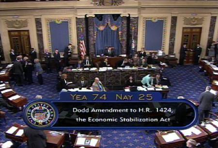 10月1日、米上院本会議は金融安定化法修正案を賛成74対反対25で可決。米上院テレビ提供(2008年 ロイター)