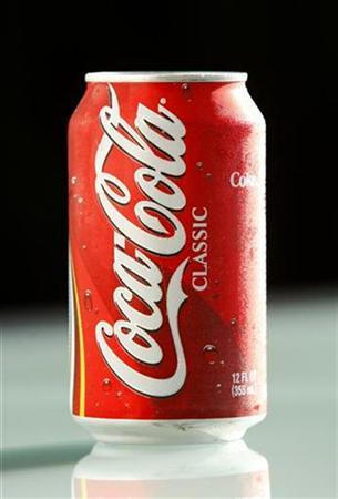 A can of Coca-Cola is pictured in San Diego June 23, 2008. REUTERS/Mike Blake