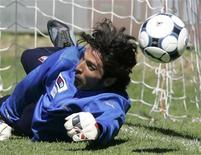 <p>Il portiere della nazionale azzurra Gianluigi Buffon. REUTERS/Marco Bucco</p>