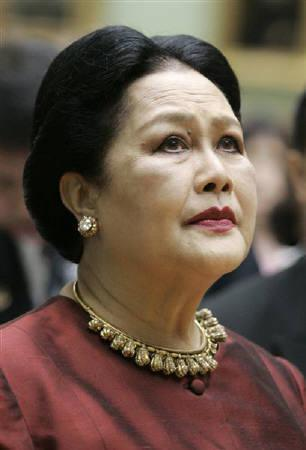 Thailand's Queen Sirikit is seen during a visit to Moscow in this July 4, 2007 file photo. REUTERS/Alexander Natruskin/Files