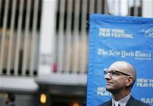 """<p>Foto de archivo del director Steven Soderbergh durante el estreno de su cinta """"Che"""" en el festival de cine de Nueva York, EEUU, 7 oct 2008. Soderbergh será el productor ejecutivo en una cinta basada en la historia real de un agente encubierto del FBI que casi se convirtió en un hombre de la mafia. REUTERS/Lucas Jackson</p>"""