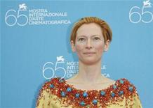 <p>British actress Tilda Swinton poses during a photocall in Venice August 27, 2008. REUTERS/Denis Balibouse</p>