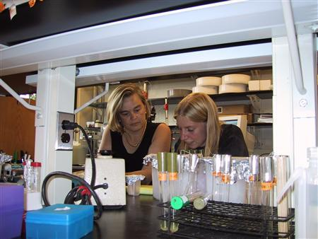 Molecular, Cellular, and Developmental Biology Associate Professor Ursula Jakob (L) and Jeannette Winter, Ph.D. in an undated photo courtesy of the University of Michigan. Bleach has been killing germs for more than 200 years but U.S. scientists have just figured out how the cleaner does its dirty work. REUTERS/Handout