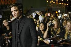 "<p>Robert Pattinson all'anteprima di ""Twilight"" al Mann Village and Bruin theatres a Westwood, California, il 17 novembre 2008. REUTERS/Mario Anzuoni</p>"