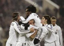 <p>Jogadores do Real Madrid comemoram gol marcado contra o Bate Borisov na Liga dos Campeões. 25 de novembro.REUTERS/ Vasily Fedosenko (BELARUS)</p>