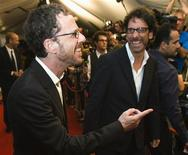 """<p>Diretores irmão Ethan Coen e Joel Coen chegando à cerimônia do filme """"Queime Depois de Ler"""" durante a o Festival Internacional de Toronto, em setembro. REUTERS/Mark Blinch</p>"""