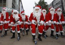 <p>Boom di acquisti online per Natale, dice eBay. REUTERS PICTURE</p>