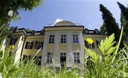 <p>Villa Trapp, the original Sound of Music family home, is pictured in Salzburg, May 13, 2008. REUTERS/Leonhard Foeger</p>