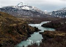 <p>A view of the Rio Baker near the town of Cochrane, in the Chilean Patagonia region, some 1600 km (994 miles) south of Santiago, in this May 23, 2006 file photo. REUTERS/Ivan Alvarado/Files</p>
