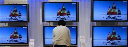 <p>Schermi Lcd della giapponese Sharp. REUTERS/Kiyoshi Ota (JAPAN)</p>