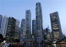 <p>A view of the Central Business District in Singapore September 23, 2008. REUTERS/Allison Ching</p>