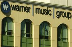 <p>The headquarters of Warner Music Group is pictured in Burbank, California August 5, 2008. REUTERS/Fred Prouser</p>