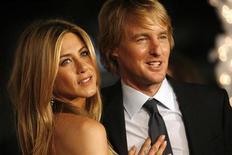 """<p>Jennifer Aniston e Owen Wilson alla prima di """"Marley & Me"""" in Califonia, l'11 dicembre 2008. REUTERS/Mario Anzuoni</p>"""