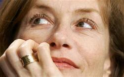 <p>French actress Isabelle Huppert gestures during a news conference in Berlin in this February 16, 2006 file photo. She will head the jury at this year's Cannes Film Festival, the organizers said on Friday. REUTERS/Arnd Wiegmann</p>