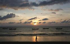 <p>Khao Lak beach is seen in Phang Nga province, north of Phuket, in a file photo. REUTERS/Chaiwat Subprasom</p>