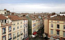 <p>La mairie de Toulouse va éteindre l'éclairage public des monuments historiques pendant huit nuits, invoquant la solidarité nationale en période de froid et de forte consommation d'électricité. /Photo d'archives/REUTERS/Jean-Philippe Arles</p>