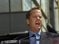 <p>Actor Kiefer Sutherland speaks at the ceremony where actor and Academy Award winner Forest Whitaker received a star on the Walk of Fame in Hollywood, California April 16, 2007. REUTERS/Mario Anzuoni</p>
