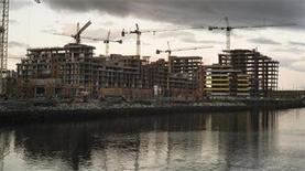<p>The Athletes Village for the upcoming 2010 Olympic Winter Games is shown under construction in Vancouver October 7, 2008. REUTERS/Andy Clark</p>