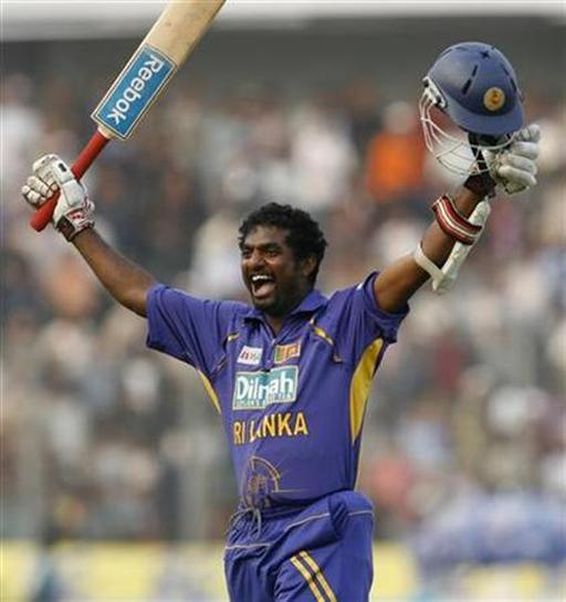 Murali run spree guides Sri Lanka home - Reuters