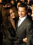 <p>O casal de atores Brad Pitt e Angelina Jolie REUTERS/Toru Hanai (JAPAN)</p>